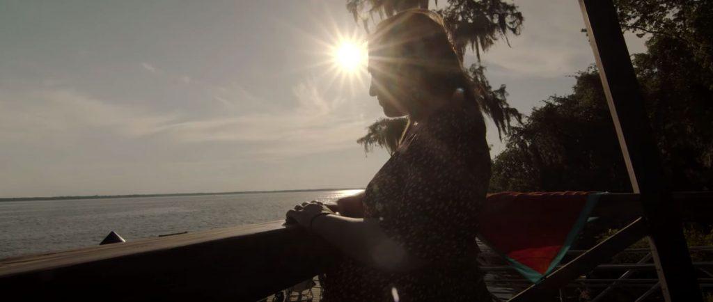 Cinematic Maternity Video sun reflection
